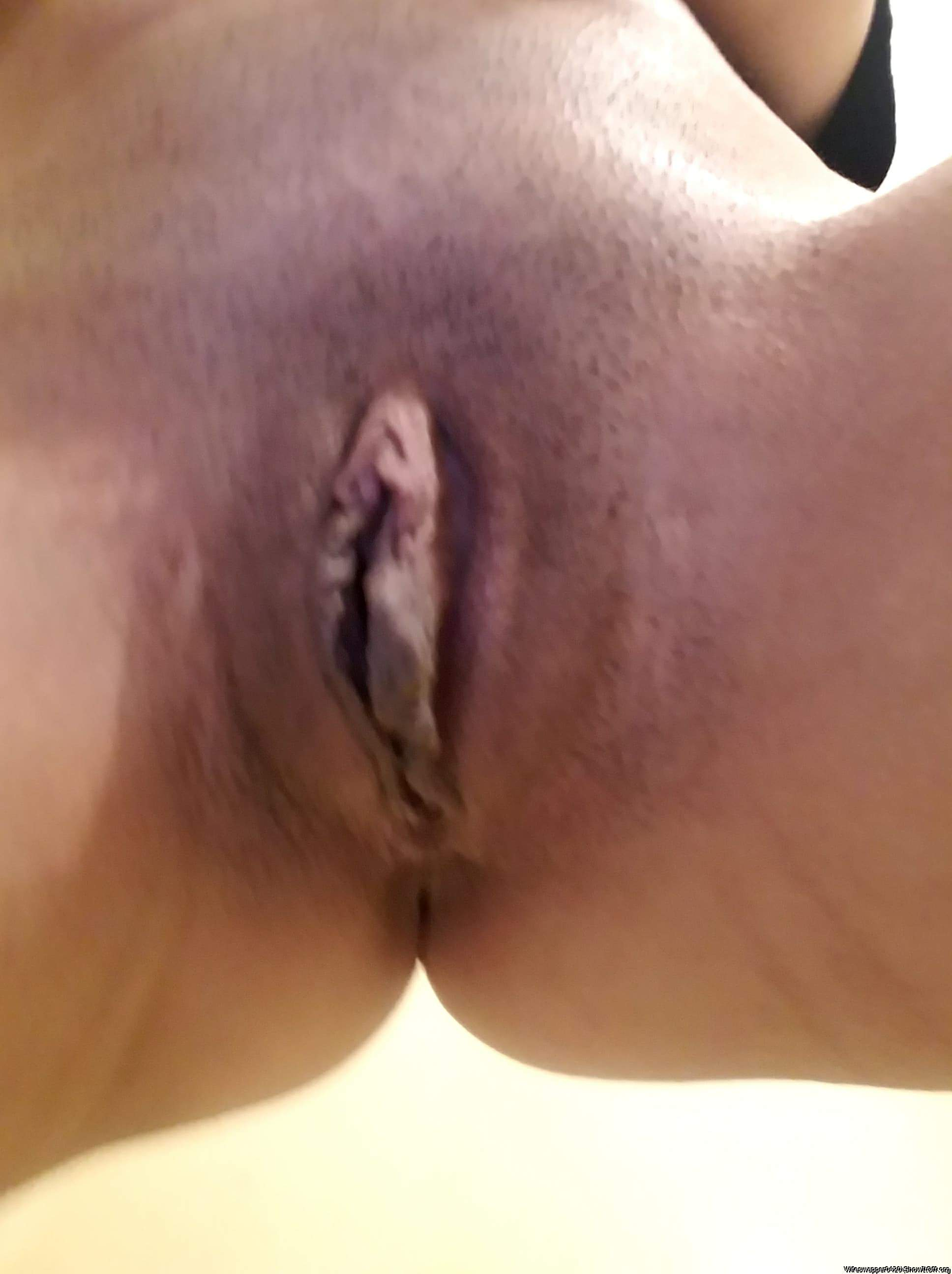 Awesome looking pussy lips I would love to suck on them