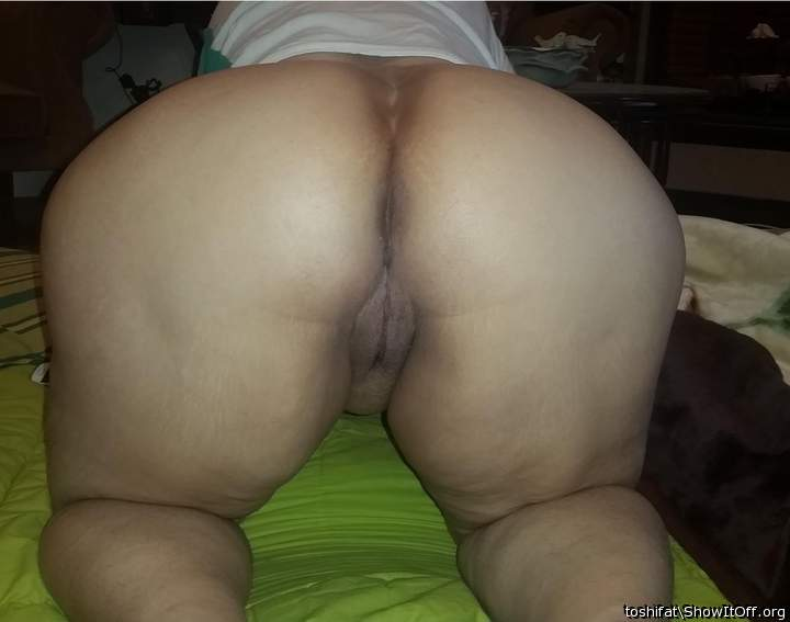 Now this is my kind of arse!!  Damn, I'd love to eat that fo